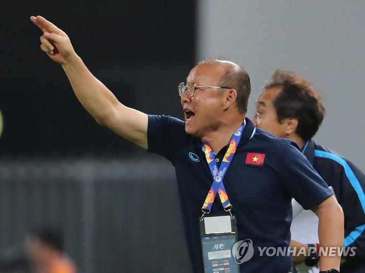 Báo Hàn rầm rộ ủng hộ thầy Park, fan bảo: Việt Nam mới thua 1, Nhật còn thua 2 cơ mà! - Ảnh 1.