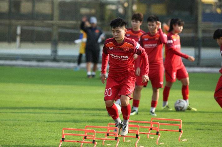Đội trưởng Huỳnh Như: Tuyển nữ Việt Nam có tinh thần tốt, hy vọng vượt vòng loại Olympic - Ảnh 1.