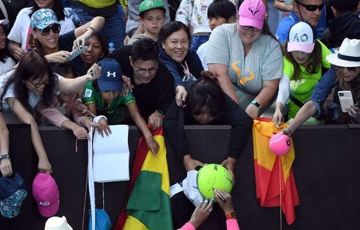 Thua dễ trước Nadal, tay vợt vẫn hớn hở: Người dân đất nước tôi xem trận đấu như chung kết World Cup - Ảnh 7.