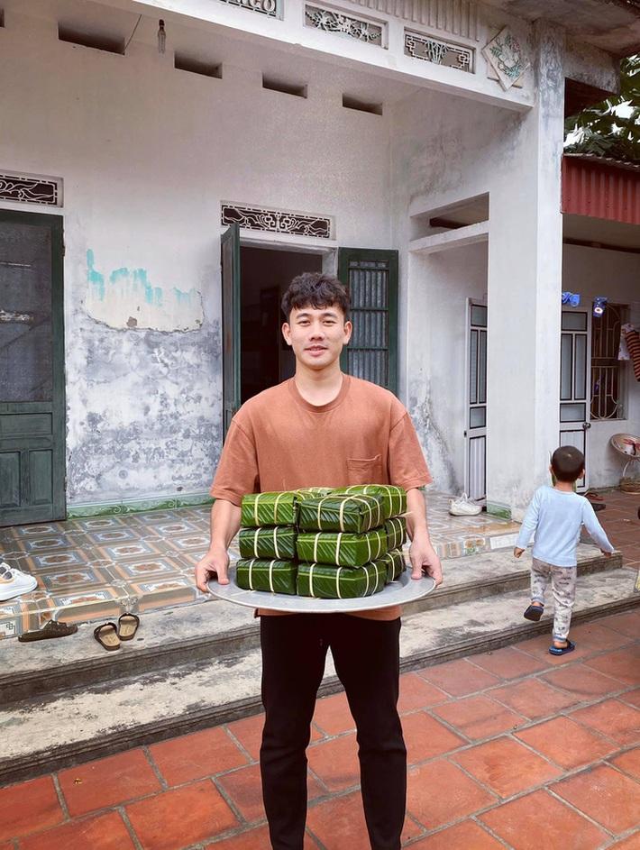Trần Minh Vương kể chuyện đưa Việt kiều Mỹ về Thái Bình đón Tết, khoe cùng mẹ gói bánh chưng - Ảnh 4.