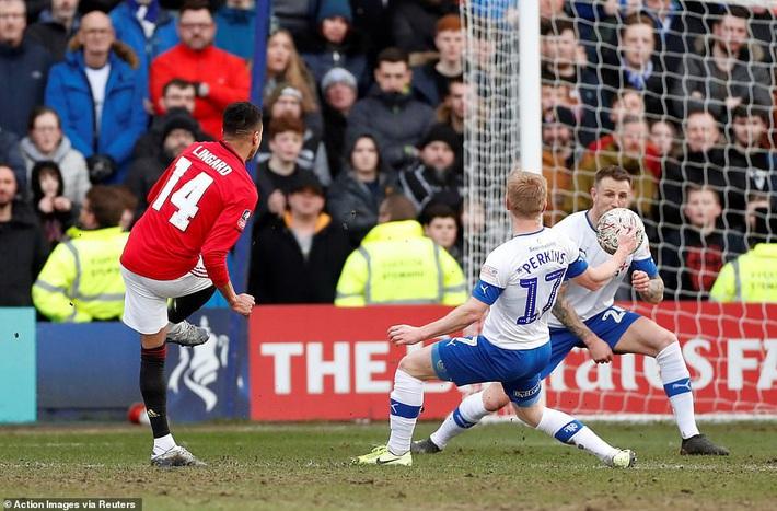 Man United đại thắng không tưởng, Liverpool rước họa vào thân - Ảnh 2.