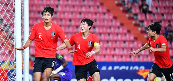 Người hùng đưa U23 Hàn Quốc vô địch U23 châu Á từng bị Công Phượng xỏ mũi - Ảnh 2.