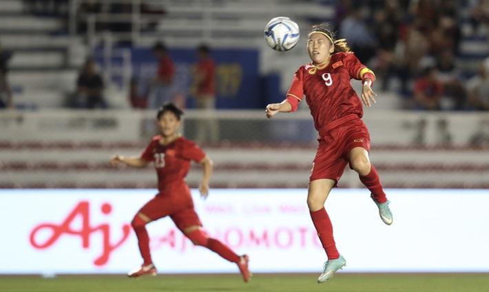 Tiền đạo Huỳnh Như: Đội trưởng gương mẫu tuyển bóng đá nữ quốc gia  - Ảnh 3.