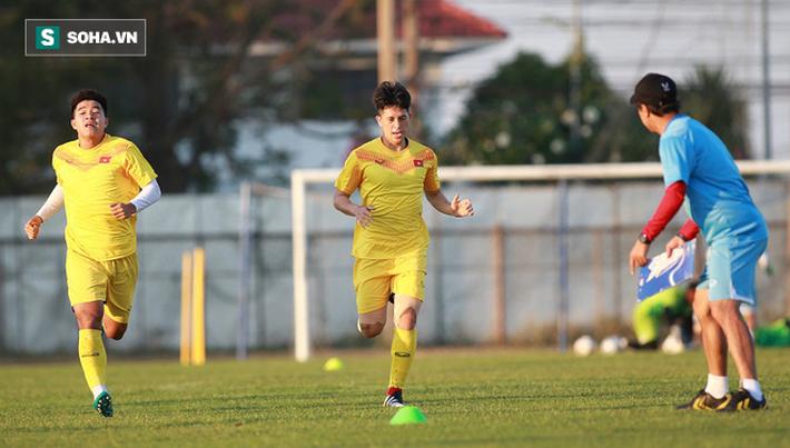 U23 Việt Nam vừa đến Buriram tập buổi đầu, sao trẻ HAGL đã bị thầy Park ra án phạt riêng - Ảnh 3.