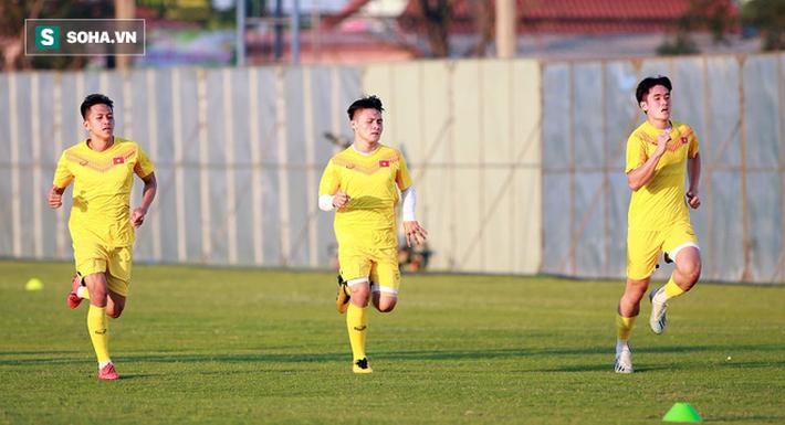 U23 Việt Nam vừa đến Buriram tập buổi đầu, sao trẻ HAGL đã bị thầy Park ra án phạt riêng - Ảnh 4.