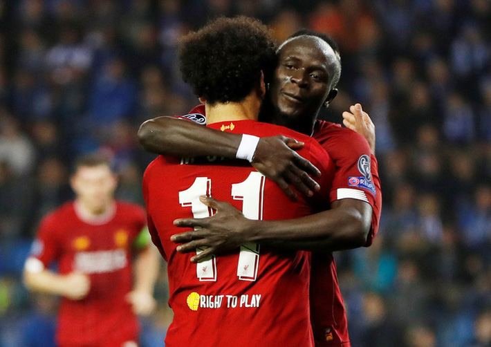 Mohamed Salah mất Quả bóng vàng vào tay Sadio Mane - Ảnh 1.