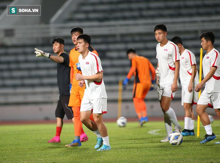 U23 Triều Tiên luyện tập nghiêm khắc, cầu thủ mắc lỗi lập tức phải chịu phạt - Ảnh 2.