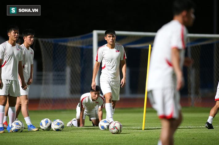 U23 Triều Tiên luyện tập nghiêm khắc, cầu thủ mắc lỗi lập tức phải chịu phạt - Ảnh 10.