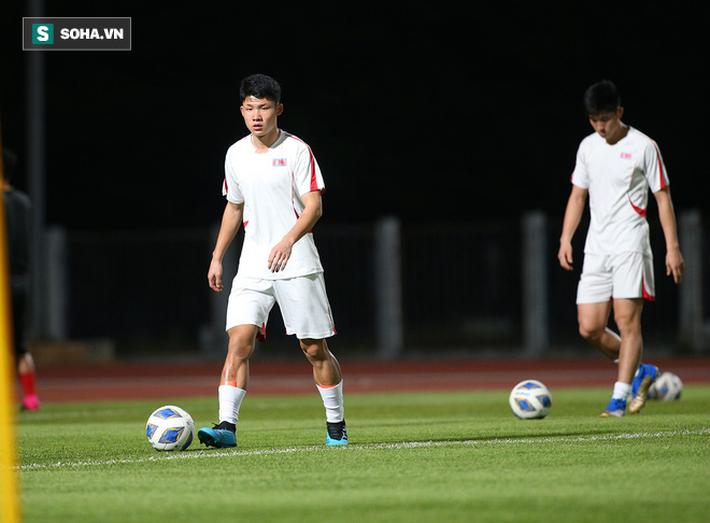 U23 Triều Tiên luyện tập nghiêm khắc, cầu thủ mắc lỗi lập tức phải chịu phạt - Ảnh 7.