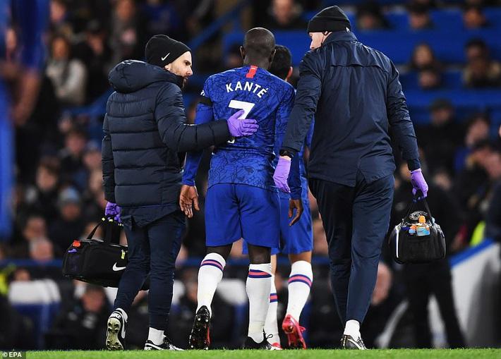 2 lần được VAR giúp sức, Man United quật ngã Chelsea bằng những miếng đòn bất ngờ - Ảnh 1.