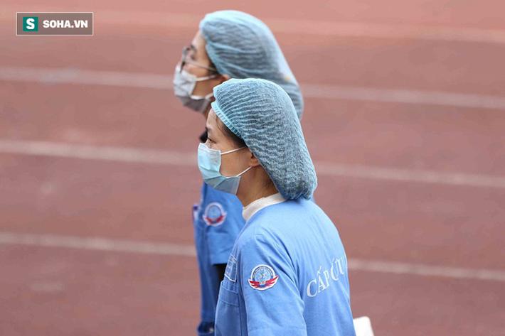 Quang Hải vắng mặt, nhiều khán giả việt vị tại Hàng Đẫy khi Hà Nội đấu Viettel - Ảnh 2.