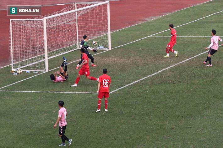 Quang Hải vắng mặt, nhiều khán giả việt vị tại Hàng Đẫy khi Hà Nội đấu Viettel - Ảnh 13.