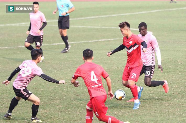 Quang Hải vắng mặt, nhiều khán giả việt vị tại Hàng Đẫy khi Hà Nội đấu Viettel - Ảnh 4.