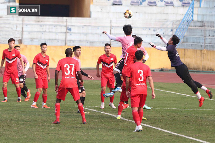 Quang Hải vắng mặt, nhiều khán giả việt vị tại Hàng Đẫy khi Hà Nội đấu Viettel - Ảnh 8.