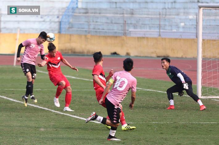 Quang Hải vắng mặt, nhiều khán giả việt vị tại Hàng Đẫy khi Hà Nội đấu Viettel - Ảnh 10.