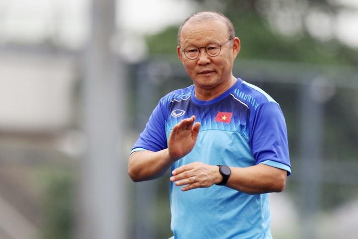 HLV Park Hang-seo họp bàn cùng VFF, nhận lệnh quan trọng trước ngày tái đấu Malaysia - Ảnh 2.