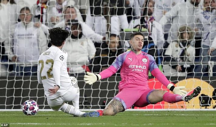 Ronaldo bần thần vì bại trận; Man City ngược dòng nhấn chìm Real Madrid - Ảnh 1.