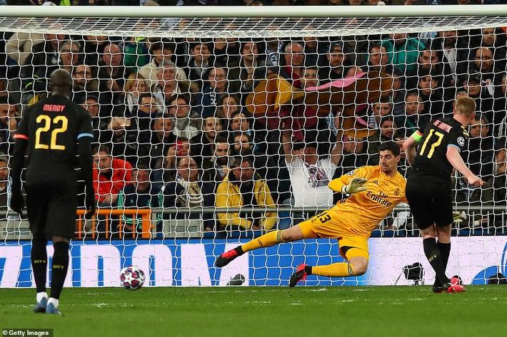Ronaldo bần thần vì bại trận; Man City ngược dòng nhấn chìm Real Madrid - Ảnh 3.