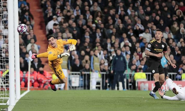 Ronaldo bần thần vì bại trận; Man City ngược dòng nhấn chìm Real Madrid - Ảnh 2.