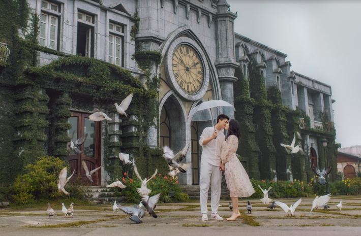 Duy Mạnh tung bộ ảnh cưới mới, lãng mạn, tình tứ bên Quỳnh Anh - Ảnh 7.
