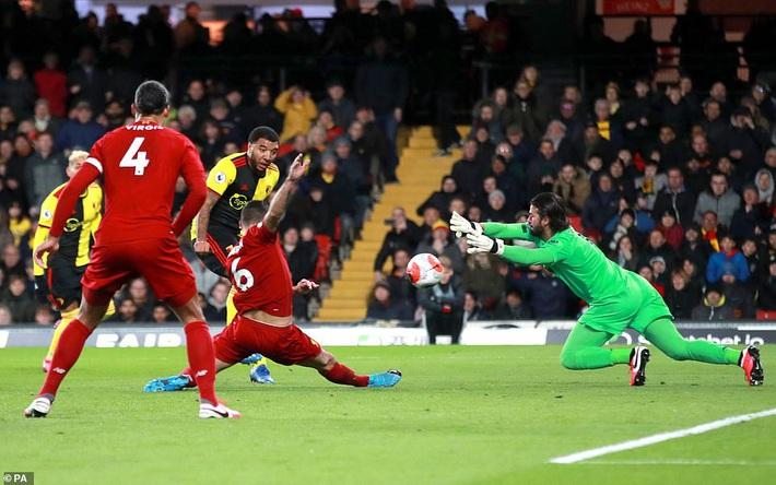 Thua sốc đội top cuối, Liverpool chính thức tan mộng giành Cúp Vàng Premier League - Ảnh 3.
