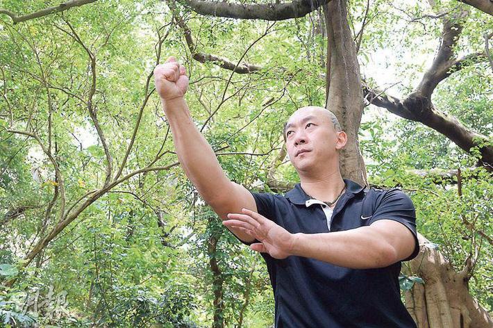 """""""Thần võ Hồng Kông"""" thách đấu, tuyên bố """"đấm vỡ đầu"""" Từ Hiểu Đông trong 2 phút - Ảnh 4."""