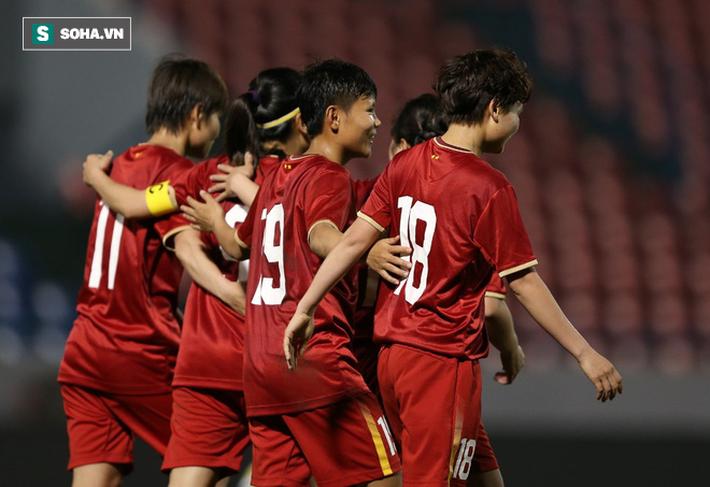 Rực sáng về tinh thần, Việt Nam có bàn thắng vàng trước Australia - Ảnh 1.