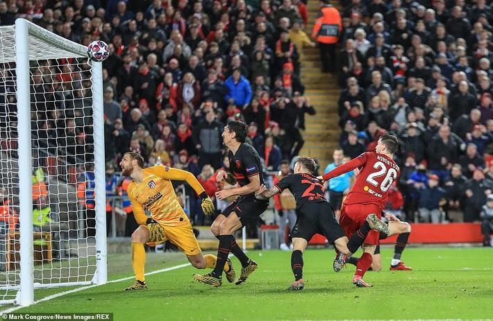 Thủ môn phạm sai lầm, Liverpool bị đá văng khỏi Champions League theo kịch bản nghiệt ngã - Ảnh 1.