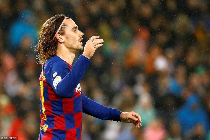 Messi mờ nhạt, Real Madrid thổi bay Barcelona nhờ cặp truyền nhân Ronaldo - Ảnh 4.