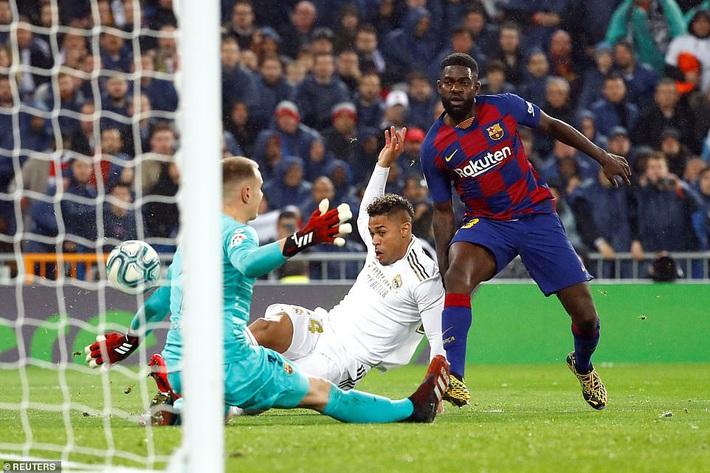 Messi mờ nhạt, Real Madrid thổi bay Barcelona nhờ cặp truyền nhân Ronaldo - Ảnh 3.
