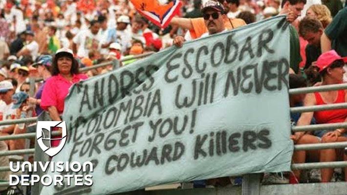 Thủ môn kỳ dị nhất lịch sử bóng đá thế giới: Cú đá bọ cạp và án tù vì trùm ma túy Escobar - Ảnh 8.