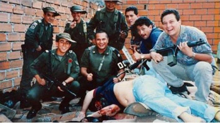 Ông trùm với khối tài sản 50 tỷ USD và màn chơi trội mời Maradona vào tù... đá bóng - Ảnh 5.