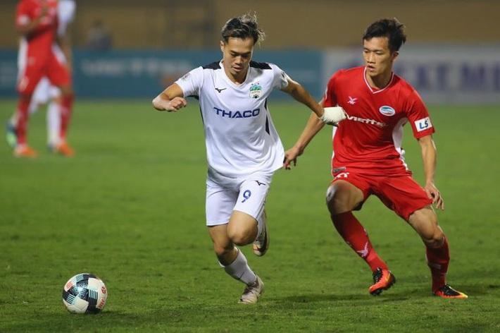 Tránh Covid-19, VPF đề xuất V-League thi đấu ở miền Bắc, đá sân không khán giả - Ảnh 1.