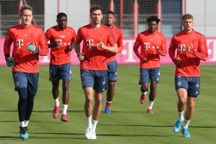 Đội bóng vô địch Đức tập luyện online cực lạ trong mùa dịch Covid-19, các CLB khác nên học hỏi ngay! - Ảnh 2.