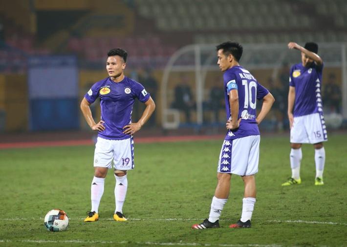 Chủ tịch trẻ tuổi nhất V.League: Chỉ khi nào Chính phủ cho phép, V.League mới nên tiếp tục - Ảnh 1.