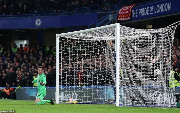 Tiếp tục bại trận sau cú sốc Watford, Liverpool đánh mất danh hiệu thứ hai trong mùa giải - Ảnh 1.