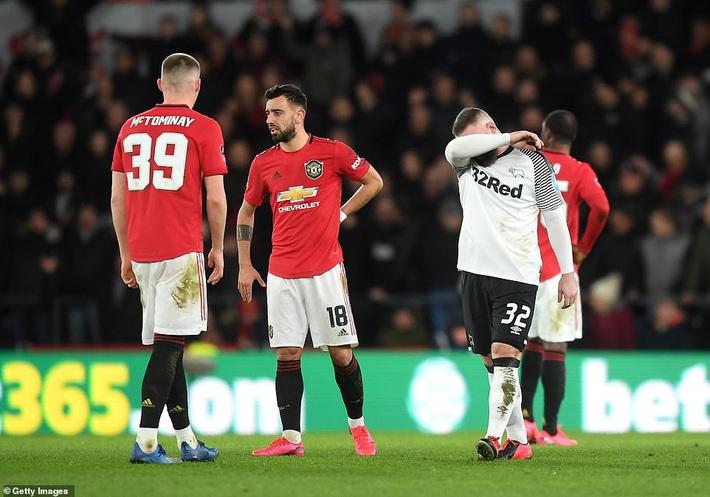 Rooney ôm mặt thất vọng, Man United đại thắng nhờ sát thủ trở về từ Trung Quốc - Ảnh 3.