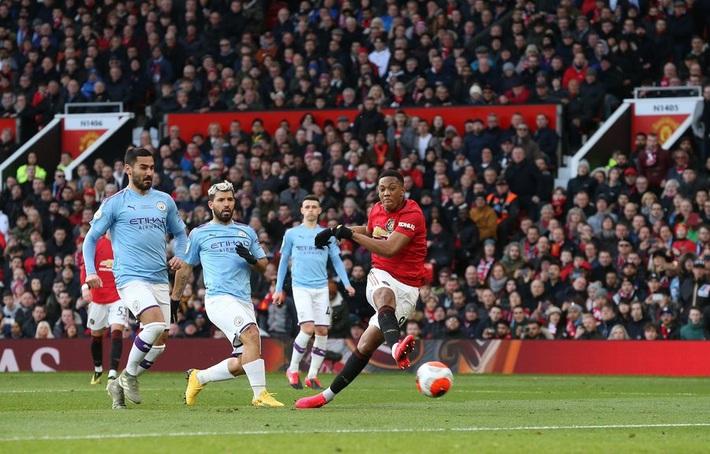 Hủy diệt Man City bằng 2 đòn ăn cắp trứng gà, Man United ngạo nghễ trở lại top 5 - Ảnh 3.