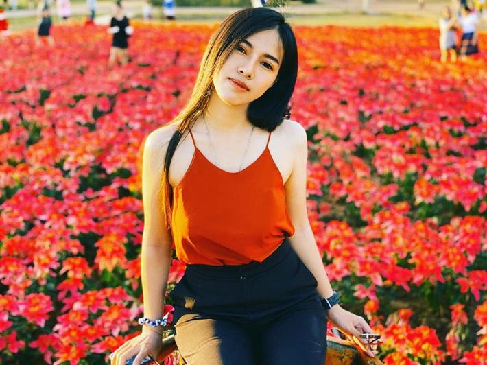 Nữ trọng tài xinh đẹp khiến báo Thái Lan mê mẩn, không ngớt lời ca ngợi - Ảnh 7.