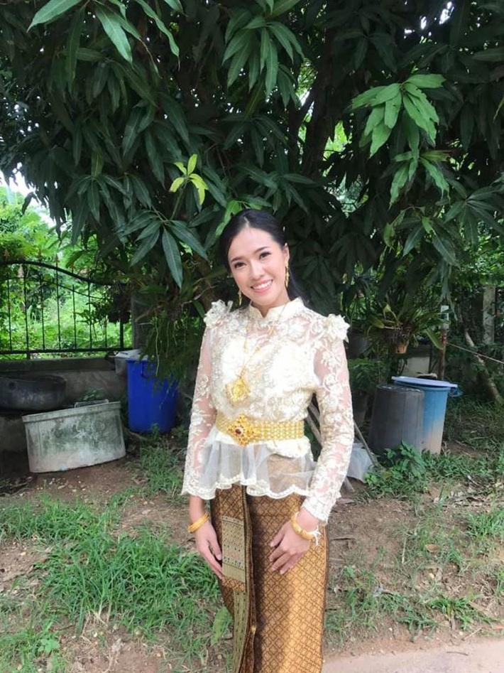 Nữ trọng tài xinh đẹp khiến báo Thái Lan mê mẩn, không ngớt lời ca ngợi - Ảnh 8.