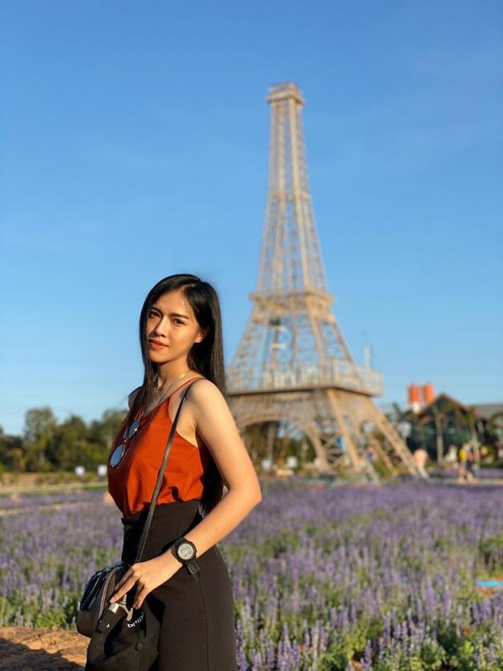 Nữ trọng tài xinh đẹp khiến báo Thái Lan mê mẩn, không ngớt lời ca ngợi - Ảnh 11.