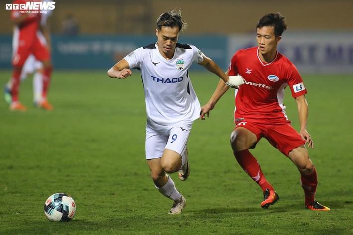 Các đội V-League tái khởi động: Tuân thủ chỉ dẫn sức khỏe, xua nỗi lo thể lực  - Ảnh 2.