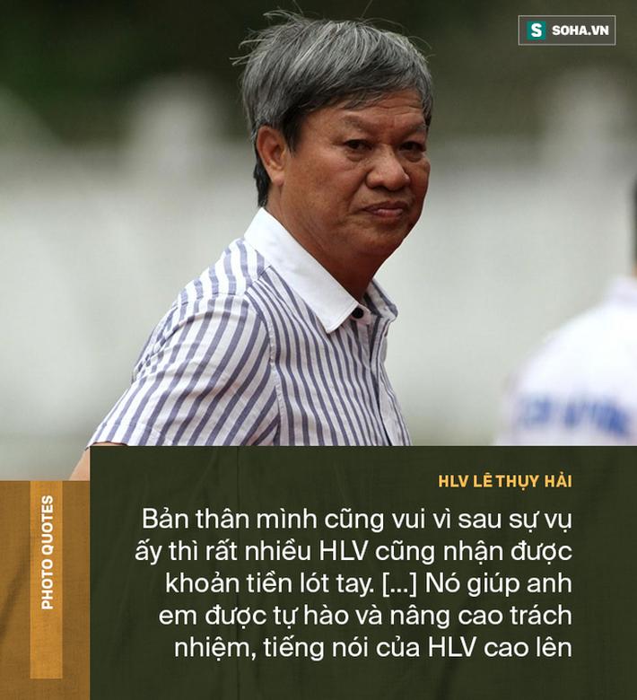 Màn mặc cả lịch sử và cơn bạo bệnh ở hiệp thứ 14 của vị HLV dị nhất Việt Nam - Ảnh 4.