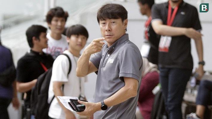 Vừa có đề xuất giảm lương vì dịch Covid-19, HLV trưởng tuyển Indonesia và cộng sự liền trở về Hàn Quốc - Ảnh 1.