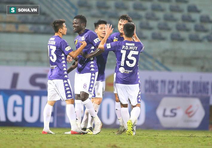 Rời Hà Nội, cựu GĐKT người Uruguay nói lời cay đắng: Cầu thủ Việt Nam sức mạnh bằng số 0 - Ảnh 2.
