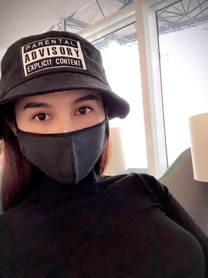 Nữ MC vặt lông gà Thu Hoài & cuộc sống đặc biệt thời Covid-19 - Ảnh 2.