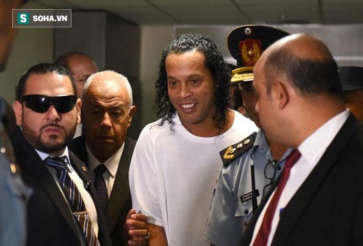 Không phải Messi, ai chi tiền cho tù nhân Ronaldinho sống trong khách sạng hạng sang? - Ảnh 1.
