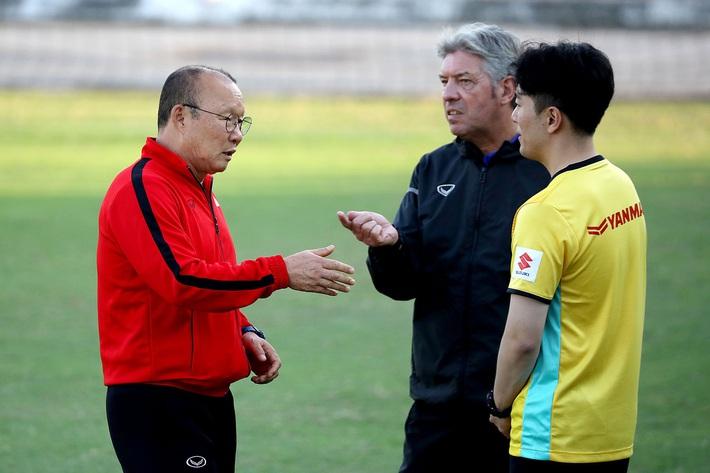 Hóa ra, đằng sau thành công của thầy Park là lỗ hổng nơi thân đê của bóng đá Việt Nam? - Ảnh 4.