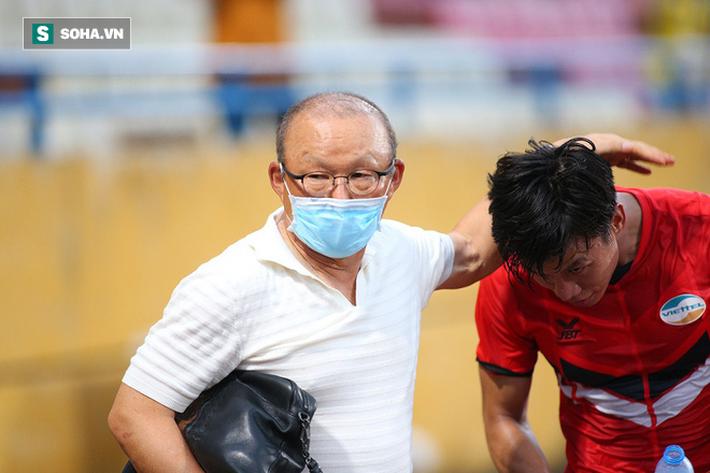 HLV Park Hang-seo tặng món quà bất ngờ cho Quế Ngọc Hải, Viettel bại dưới tay Hà Nội FC - Ảnh 8.