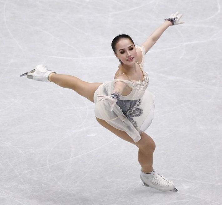 Thiên thần trượt băng được ông Putin chúc mừng sinh nhật - Ảnh 1.